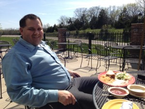 Rep. Bart Korman sits outside of el Espolon last week enjoying his lunch special with Nancy. (Photo by Nancy Giddens)